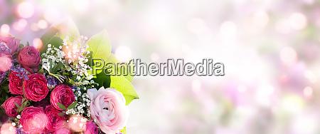bouquet primaverile su sfondo morbido