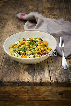 chick pea salad with curcuma roasted