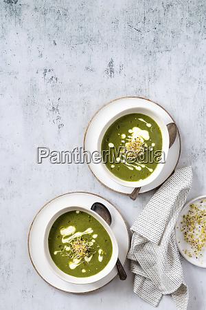 zuppa di cavolo nero vegano con