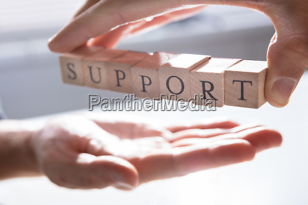 persona che da supporto ad altra
