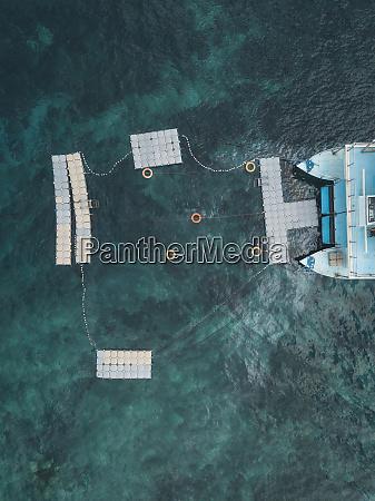 plywajacy statek kapielowy wyspa nusa penida