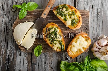 garlic herbs toast with fresh mozzarella
