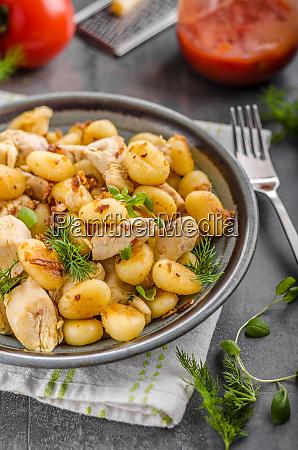 fried gnocchi chicken curry
