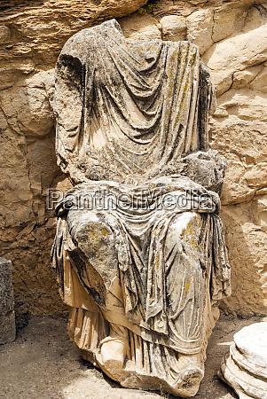 statue of marcus aurelius roman ruins