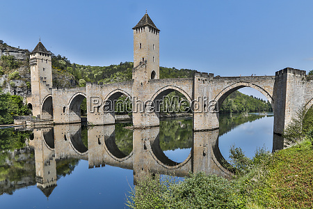 france cahors pont valentre over the