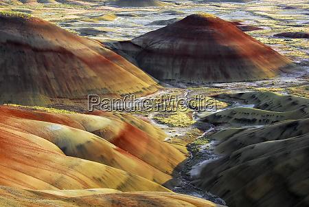 painted hills sunset john day fossil