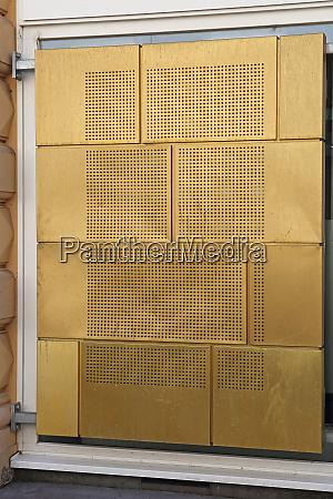 struttura in metallo oro