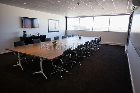 interno della sala riunioni moderna vuota