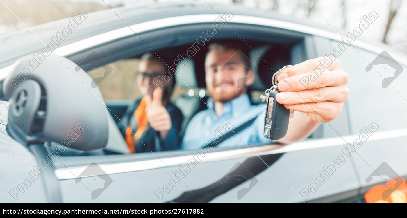 student, of, driving, school, having, passed - 27617882