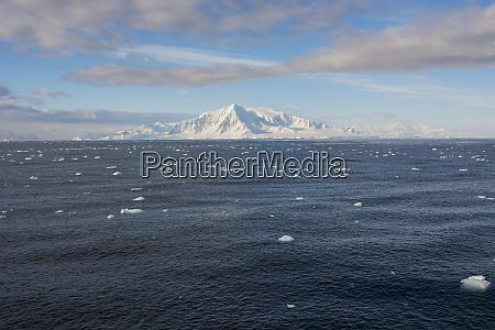 antarctica south of the antarctic circle
