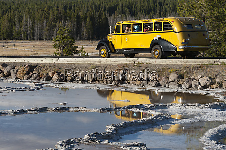 usa wyoming tourists treated to old