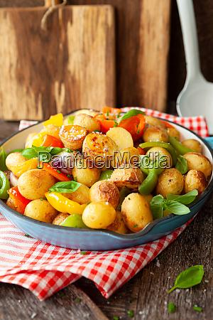 patate al forno con verdure