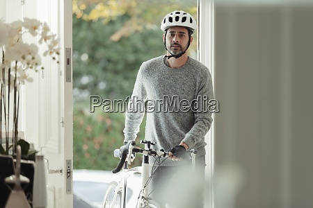 man, with, bicycle, returning, home, through - 29109676