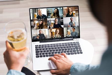 festa per bere birra virtuale online