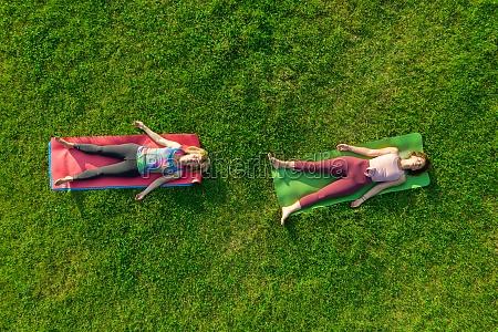 vista, aerea, di, due, donne, che - 30153829