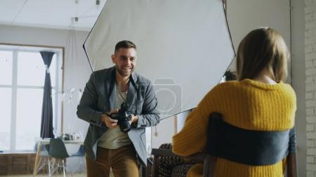 fotografia, felice., attrezzature, azienda, persona, Colpo. - B179648434