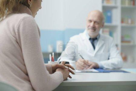 felice, sorridente, adulto, persone, salute, medicina - B326435466